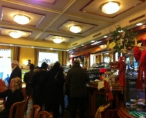 A traditional italian café next to Piazza de la scala