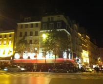 In the heart of Saint Germain: One of the rare places of Paris with 24/24 service.