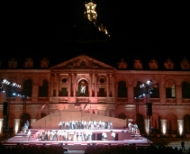 Most famous Opéra plays in famous french monuments: Magical