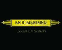 Derrière une petite pizzeria banale se cache un des meilleurs bars à coktails de la ville: le moonshiner